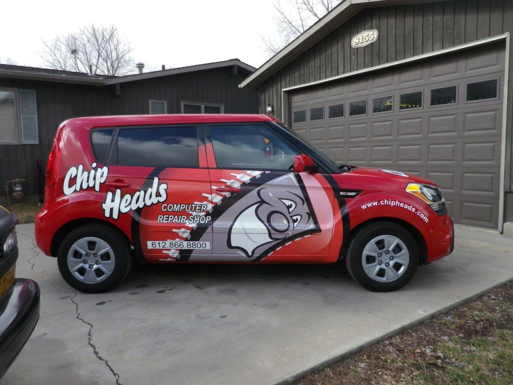 Chipheads logos on car